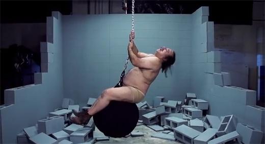 Ron Jeremy – Wrecking Ball Video Parody