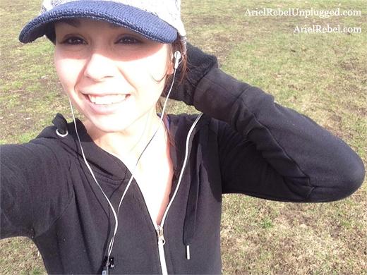 arielrebel_jogging-selfie3